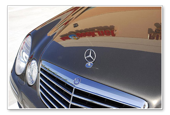 Wolfgang Deep Gloss Paint Sealant 3.0 replicates the best qualities of carnauba wax � slickness and shine � but it has more than double the longevity of the average carnauba wax. Just a few drops will produce a show-stealing shine that withstands the elements, ultraviolet rays, infrared radiation, salt water, and environmental pollutants and armors your paint for months. Plus, Wolfgang Deep Gloss Paint Sealant 3.0 is an excellent value. A little goes a long way.